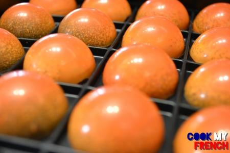 Hugo & Victor Clementine chocolate spheres